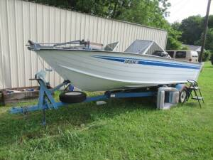 Boat, Furniture & Tools @ Absolute Online Auction