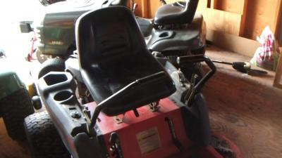 TROYBILT ZERO TURN LAWN MOWER