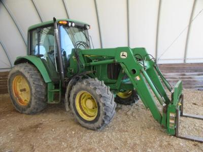 JOHN DEERE 6420 WITH 640 LOADER