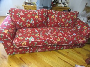 FULL SIZE COUCH - R1