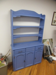 CHINA HUTCH WITH 3 DRAWERS AND 3 DOORS - R1