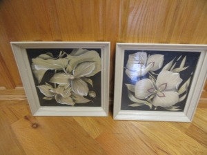 2 VINTAGE FLORAL PAINTINGS ON FRAMES - R1