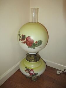 HAND PAINTED GLASS GLOBE VINTAGE LAMP - DR