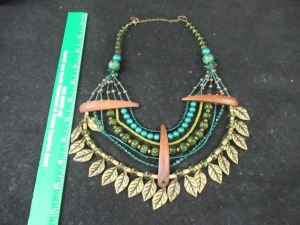 BEADED AND WOODEN NECKLACE