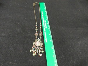 VINTAGE NECKLACE WITH CAMEO