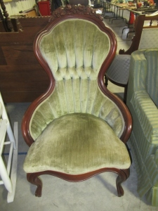 QUEEN ANN UPHOLSTERED CHAIR