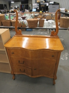 VINTAGE WASH STAND ON CASTERS