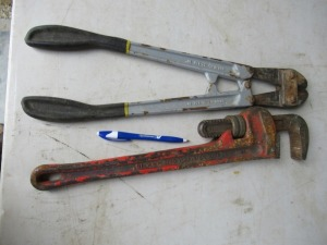 PIPE WRENCH AND BOLT CUTTERS