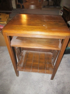 SIDE TABLE - US