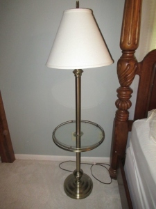 SIDE TABLE/ LAMP - US