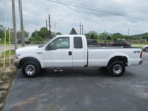 2002 FORD F-250 WHITE TRUCK