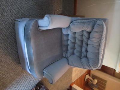 SINGLE CUSHION CHAIR
