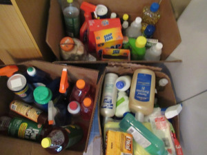 BOX LOT OF CLEANING SUPPLIES