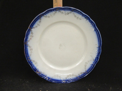 HRWYLLIE PLATTER AND PLATE