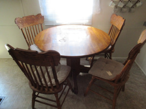 ROUND WOODEN TABLE WITH CHAIRS