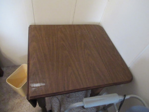 SQUARE WOODEN TABLE WITH 2 FOLDING LEAFS