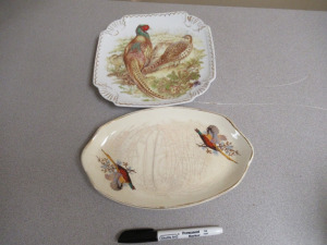 2 SERVING PLATES
