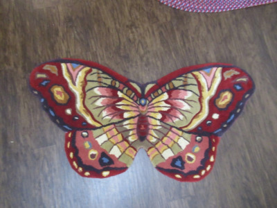 BUTTERFLY RUG       -DR