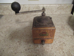 DIENES ANTIQUE COFFEE MILL       -K