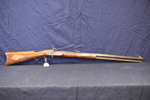 THOMPSON CENTER ARMS HAWKEN BLACK POWDER RIFLE