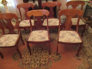 6 CHAIRS     -DR