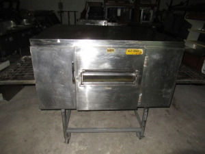 WOLF ELECTRIC NATUREAL GAS CONVECTION OVEN - BLDG
