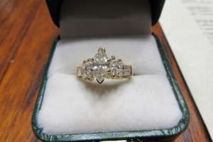 14K - YELLOW GOLD RING - 8000.00 APPRAISAL VALUE -
