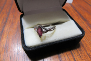 10K - WHITE GOLD - RING - RUBY STONE - SZ 5 -