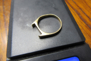 14K - GOLD RING - NO STONE - 1.5 GRAMS - SZ 5 -