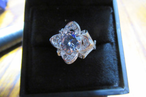 SILVER RING - DIAMOND STONES - SZ 6 -