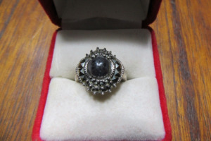 SILVER RING - MARKED 925 - SZ 7 1/2
