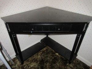 CORNER TABLE WITH DRAWER - BR1