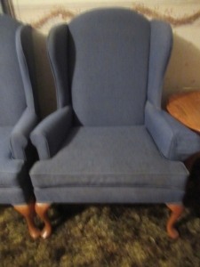 WINGBACK UPHOLSTERED CHAIR - LR