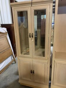 CHINA/ DISPLAY LIGHTED CABINET