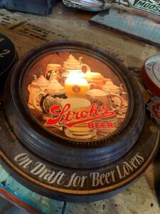 STROH'S BEER LIGHT UP SIGN