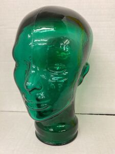 GREEN GLASS DISPLAY MANNEQUIN HEAD