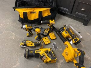 DEWALT 20V LITHIUM POWER TOOLS AND CARRYING BAG