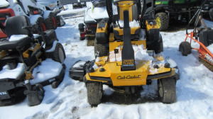 CUB CADET TANK SZ COMMERCIAL ZERO TURN MOWER - L2