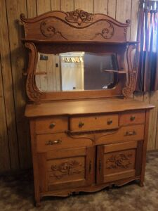 ANTIQUE OAK DRESSER WITH MIRROR BR1