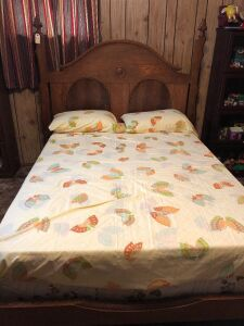 VINTAGE OAK FULL SIZE BED BR1