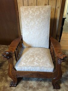 VINTAGE SOLID OAK RECLINING CHAIR BR1
