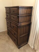 SOLID WOOD CHEST OF DRAWERS - 2