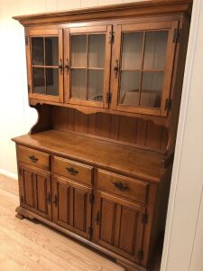 SOLID MAPLE HUTCH