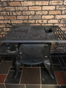 VINTAGE CAST IRON COOK STOVE