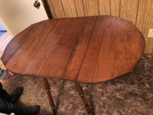 SOLID WOOD TABLE WITH DROP LEAVES
