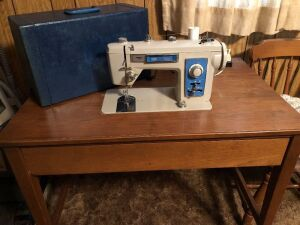 AMERICAN HOME SEWING MACHINE WITH TABLE