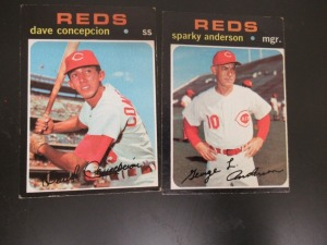 2 1971 REDS BASEBALL CARDS