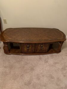 COFFEE TABLE WITH 2 DOORS