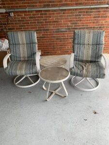 2 OUTDOOR CHAIRS WITH TABLES