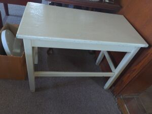 PAINTED WOODEN TABLE